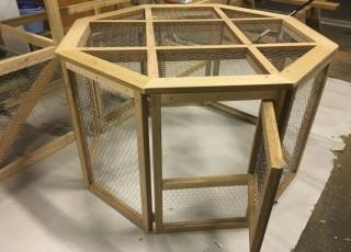 折りたたみ式のケージ